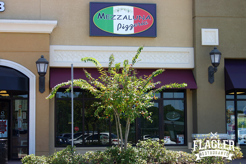 Mezzaluna Pizzeria at Town Center, Palm Coast
